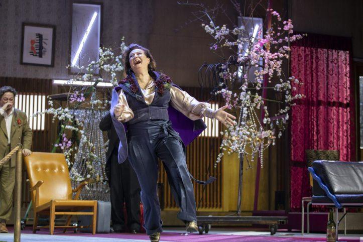 Helsingin Kaupunginteatteri – Kirsikkatarha – Kuvassa Jouko Klemettilä ja Heidi Herala – Kuva Stefan Bremer